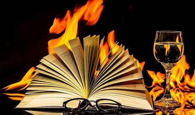 plameny za knihou