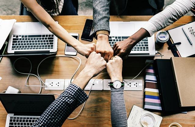 Jak spojit podnikatele bez vzniku právnické osoby