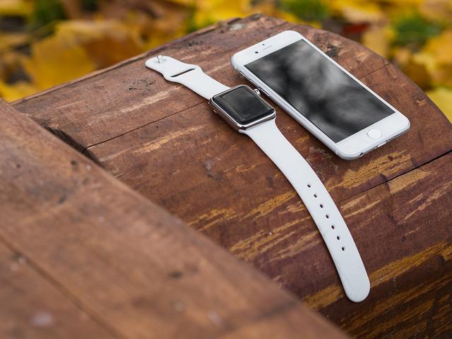 chytrý mobil, chytré hodinky