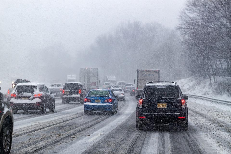 sněžení na dálnici